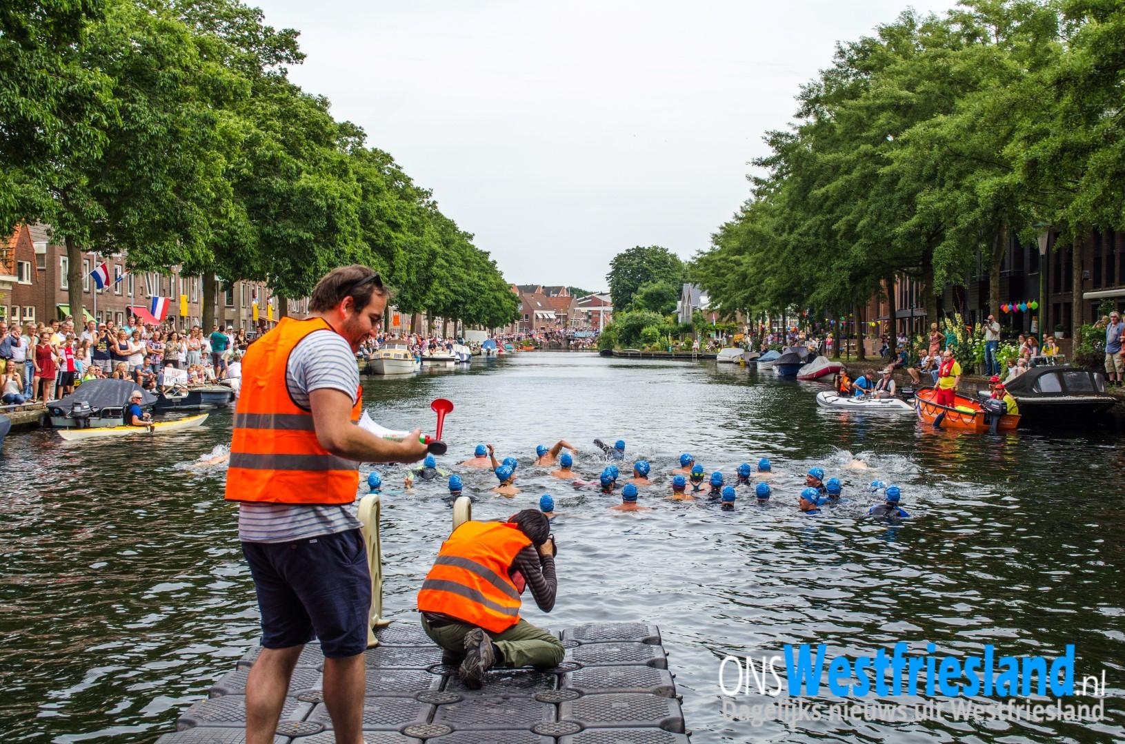 Tweede Swim to Fight Cancer Hoorn tijdens Hoornse Waterweken