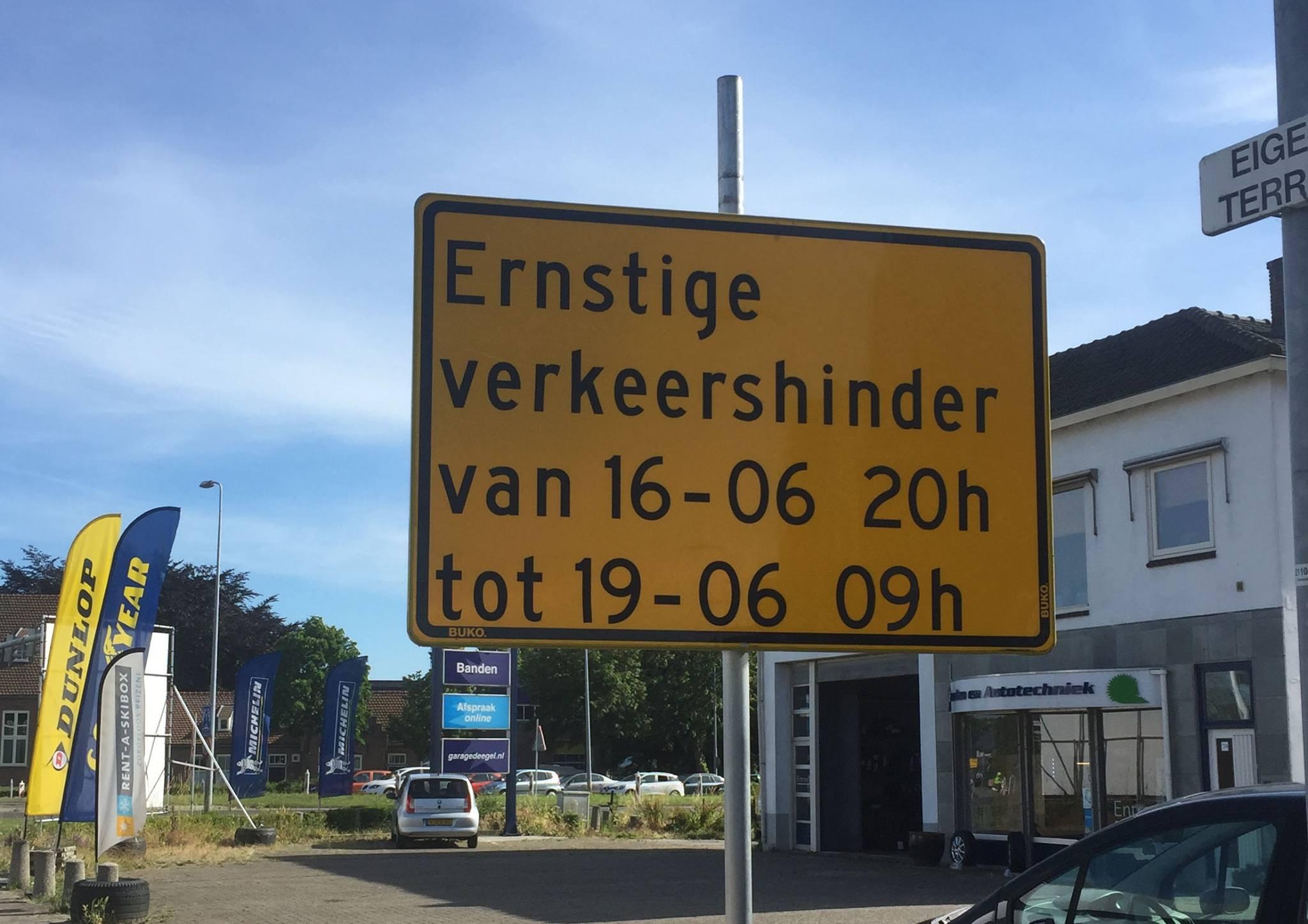 Verkeerslichten Provincialeweg/Keern in het weekend buiten werking