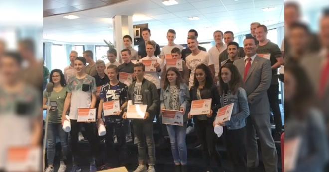 28 Hoornse jeugdsporters ontvangen een onderscheiding