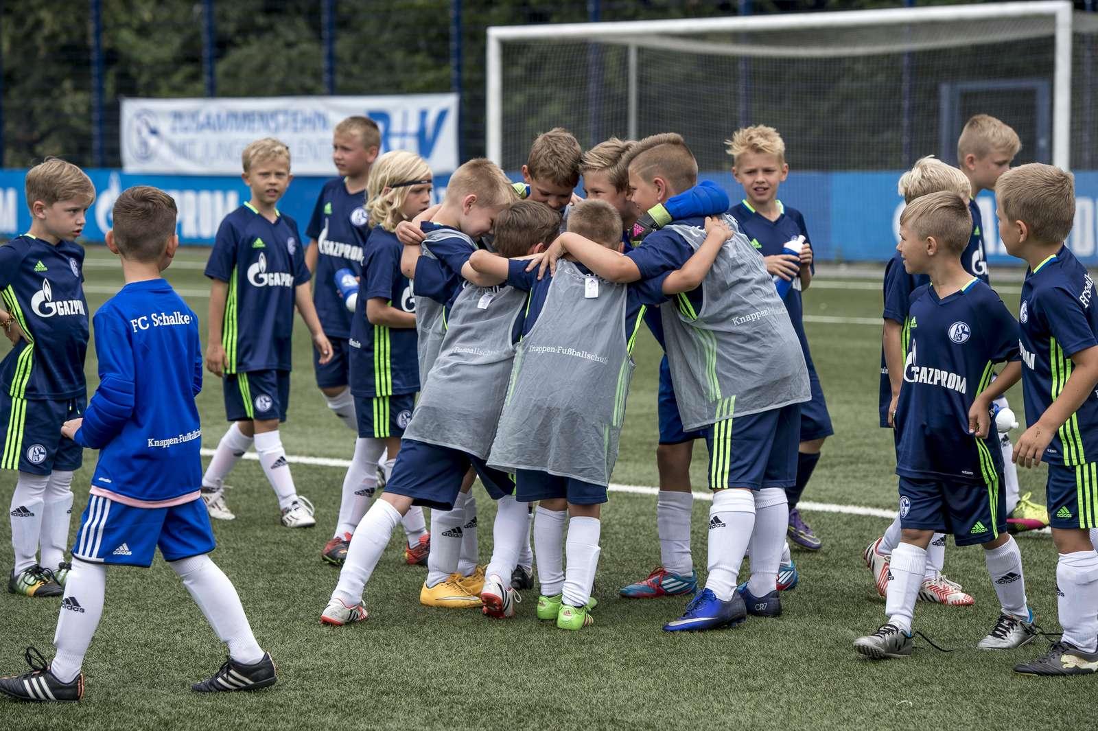 Duitse club Schalke 04 komt naar Hoorn voor voetbaldagen