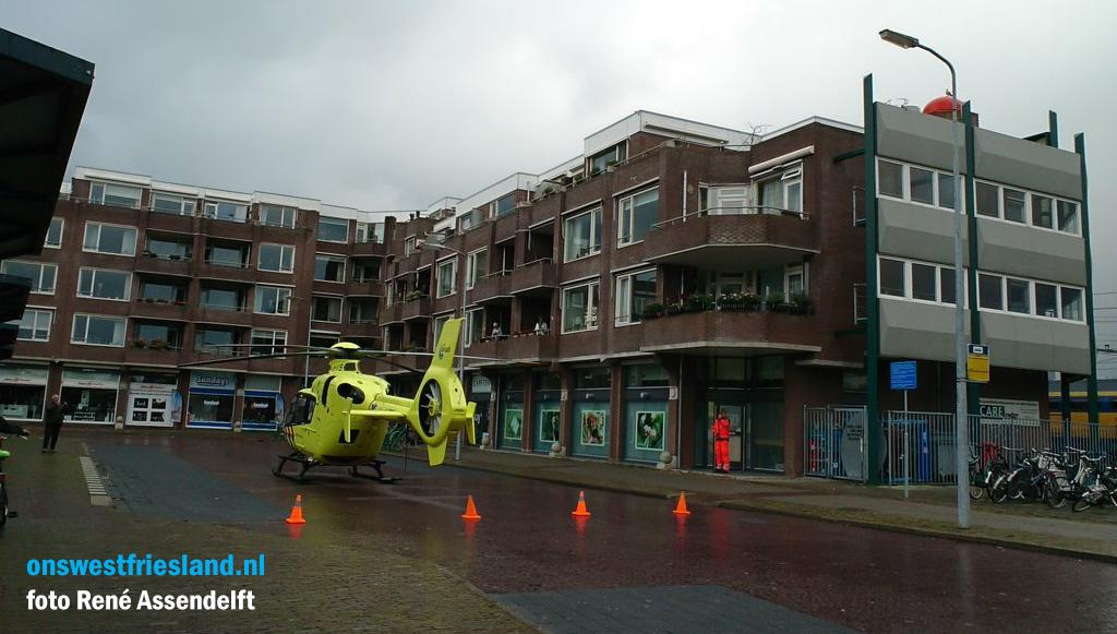 Ernstige aanrijding bus en persoon op Stationsplein in Hoorn