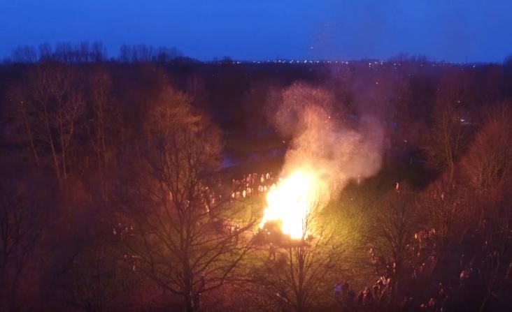 Vier locaties voor kerstbomenverbranding in Hoorn