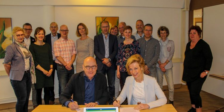 Wilgaerden en LeekerweideGroep tekenen voor samenwerking en mogelijke fusie