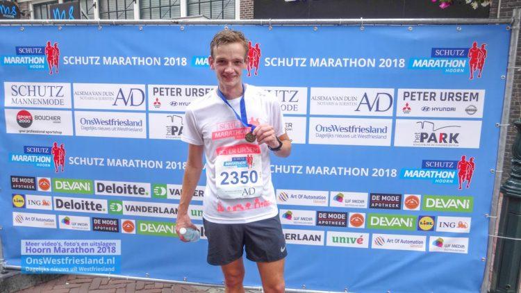 Ruim 2300 lopers met zonnige 14e Marathon Hoorn