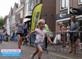 Marathon Hoorn 2018: Foto's Finish Kidsloop en Prijsuitreiking
