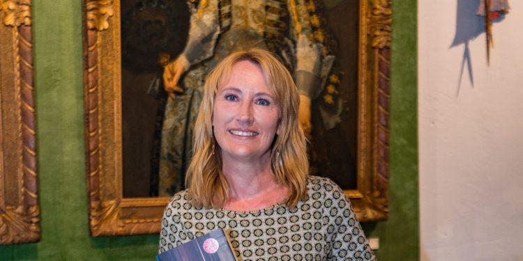 Simone van der Vlugt presenteert historische roman in Westfries Museum