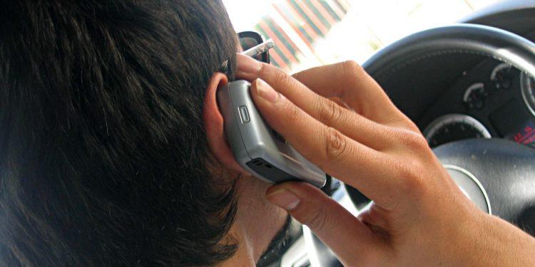 Ruim 400 boetes voor appen en bellen op Noord-Hollandse wegen