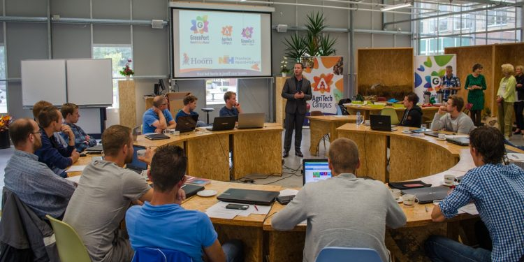 Start tweejarige HBO-studie Bedrijfskunde en Agribusiness in Hoorn