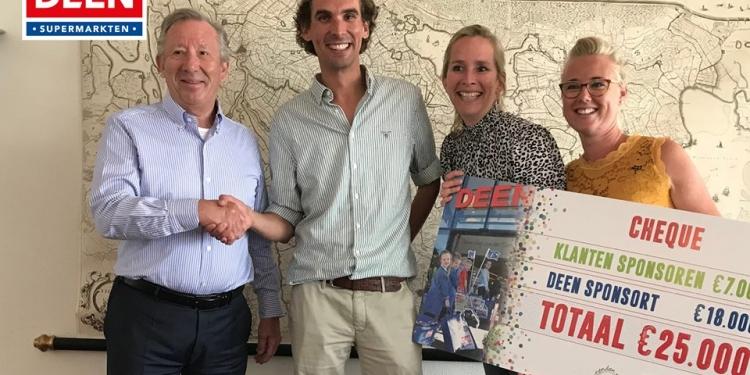 Klanten en Deen Supermarkten doneren 25.000 euro aan kinderafdeling WFG