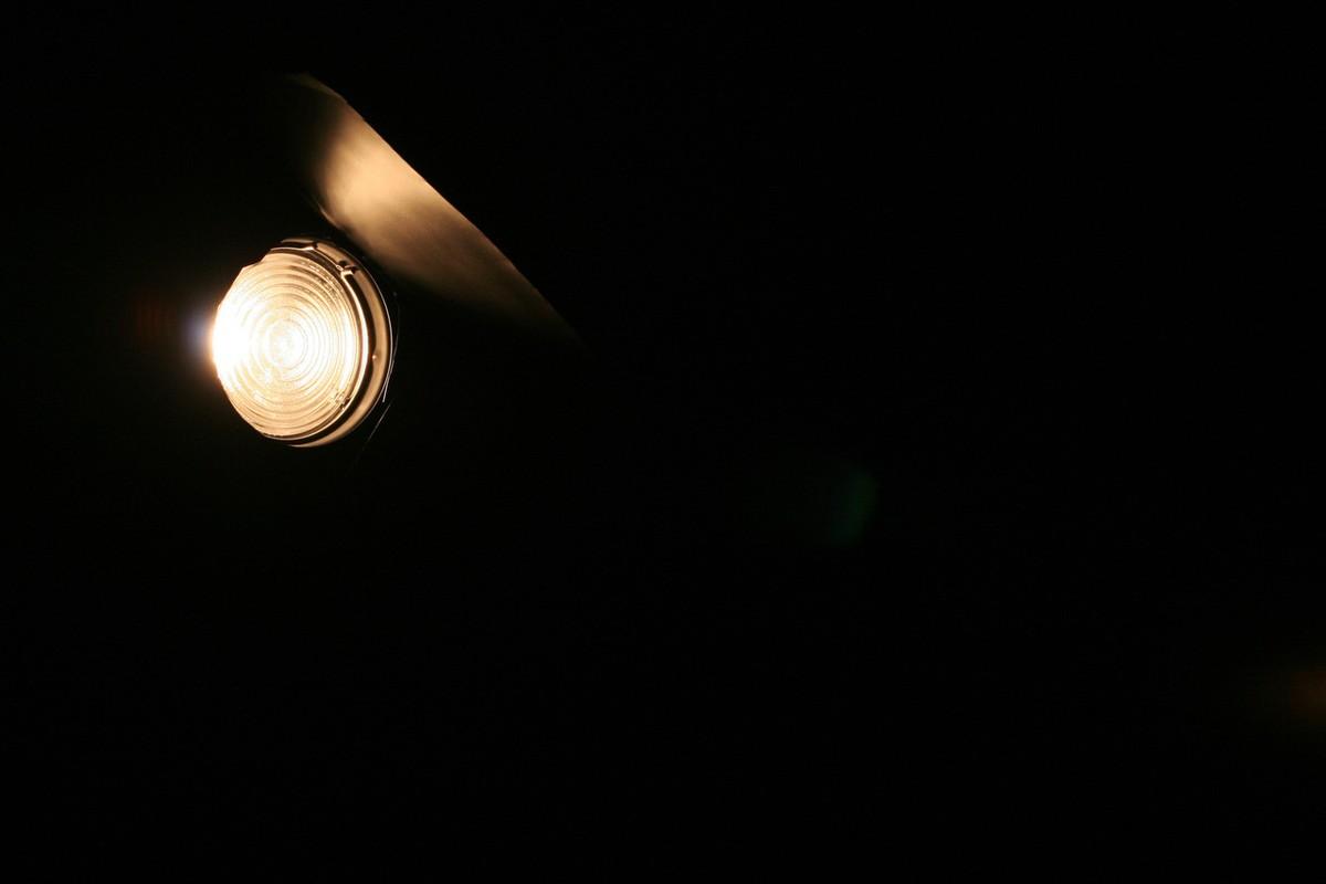 Storing in verlichting in deel van Hoogwoud