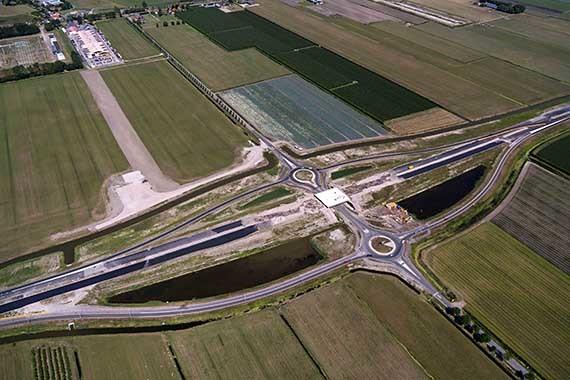 Afsluiting bij rotondes Noorderboekert in Zwaagdijk (N302)