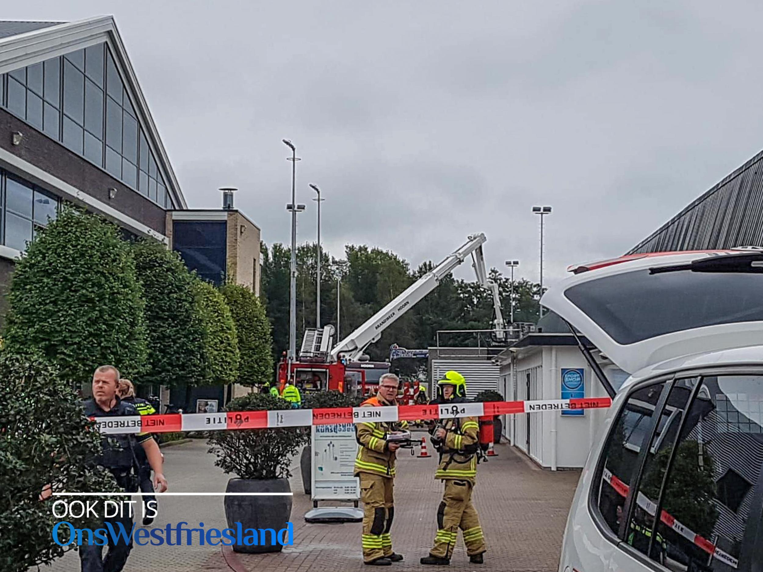 Sportcentrum Holenweg Hoorn ontruimd na brandmelding