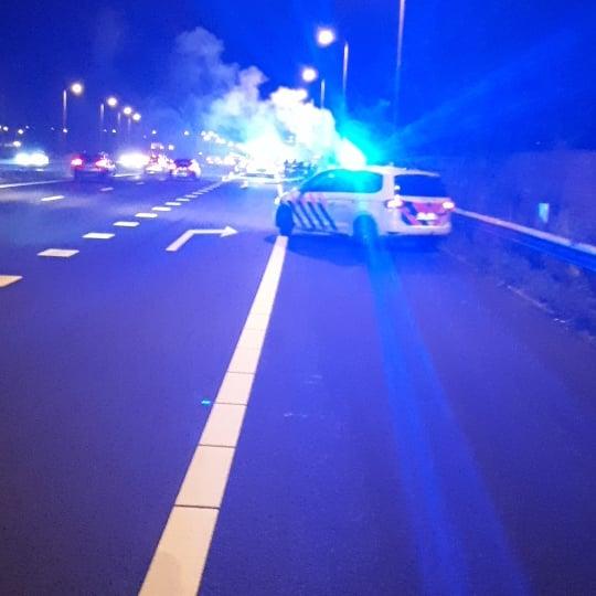 Brand op vrachtwagen A7 bij afslag Hoorn Noord