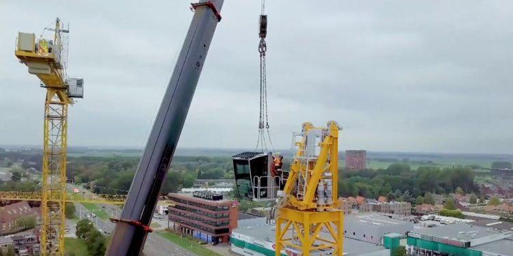 Opzetten bouwkraan De Toren lijkt makkelijk [video]