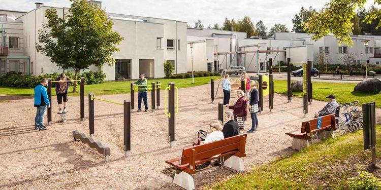 'Laat ouderen actief bewegen op een Olga Commandeur-plein'