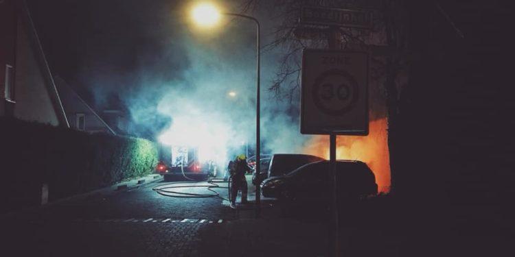 Politie vermoed brandstichting autobrand Hoorn