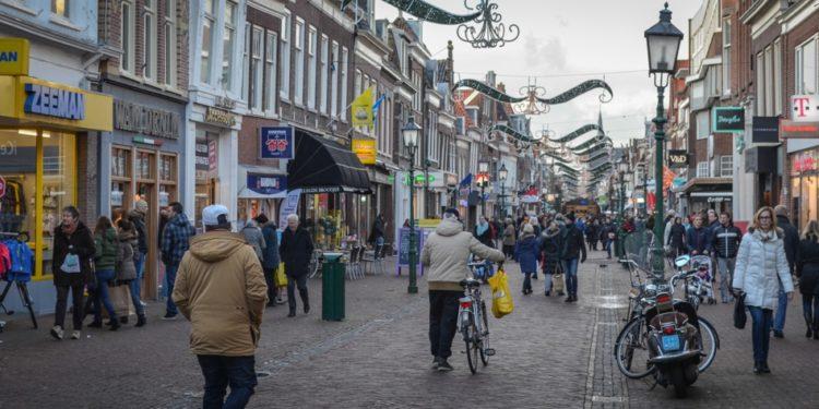 Wonen boven en in winkels Hoorn goed idee, maar nog geen budget
