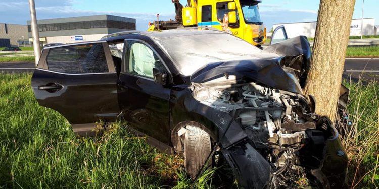 Zwaar verkeersongeval A7 na afsnijden door witte bestelbus
