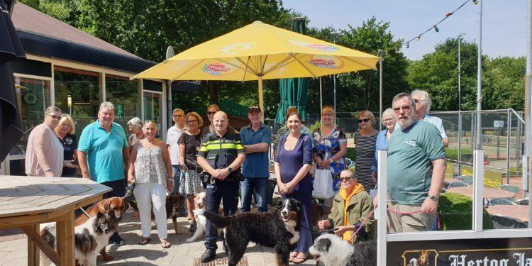Politie Hoorn zoekt samenwerking met hondenbezitters Grote Waal