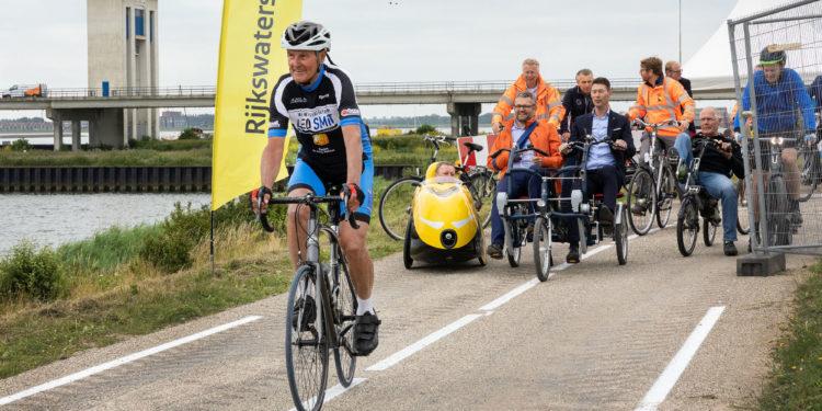 Fietspad op de Houtribdijk (Lelystad-Enkhuizen)weer open