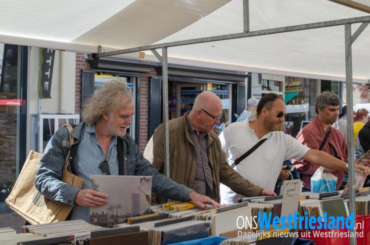 Record aantal deelnemers uit Europa naar platenmarkt Hoorn