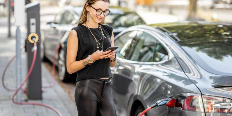 Gemeenten stimuleren elektrisch rijden met publieke laadpalen