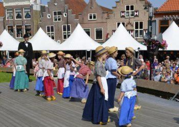 West Friese folklore afgelast, markt ingekort wegens hitte