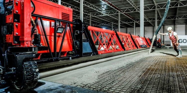 Loos Betonvloeren gaat met Giga Screed voor 27m breed vlak beton