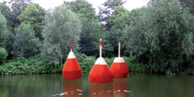 Kunstproject de Dobbers niet in water bij de Binnenluiendijk in Hoorn