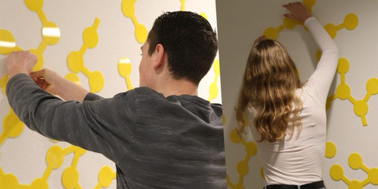Leerlingen Martinuscollege versieren nieuwe Science Lab