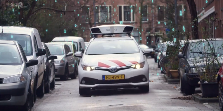 Hoorn start deze week proef parkeercontrole met scanauto