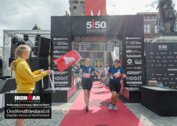 Ironman Westfriesland 2020: Start/finish in de haven, wisselzone bij Hollandia