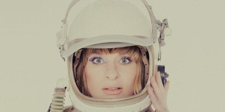 Sandra van Nieuwland met 'Human Alien and More tour' in Manifesto
