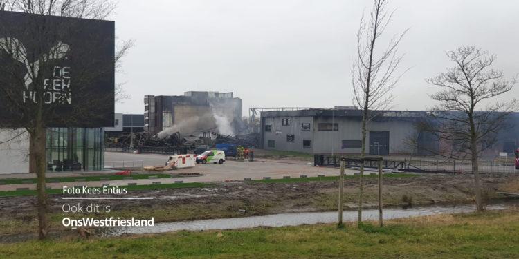 Brand op Zevenhuis om 02.00 uur onder controle; nablussen gaat door