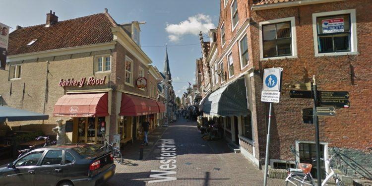 Enkhuizen: 'Stop op nieuwe ontwikkelingen met extra parkeerplaatsen'