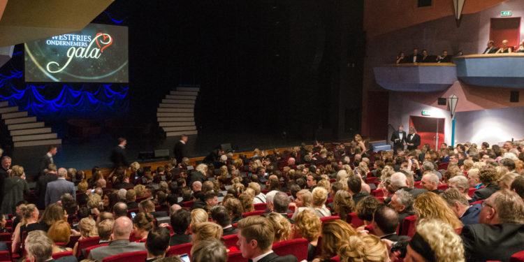 Thuis meekijken met bekendmaking prijzen van Westfries Ondernemersgala