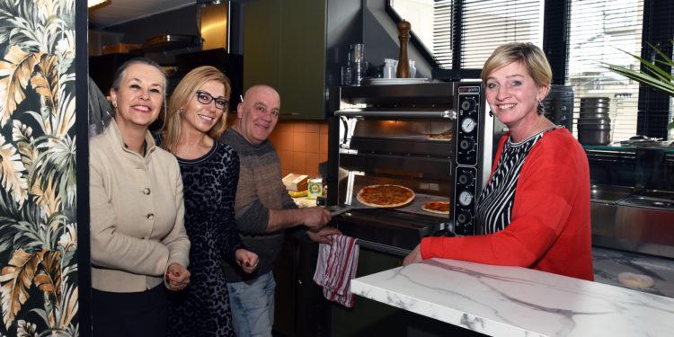 Opening Pizzaria Incontro; Ontmoetingen op NS Kersenboogerd Hoorn