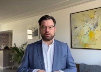 """Burgemeester Pijl: """"Help elkaar en zie naar elkaar om"""" [video]"""