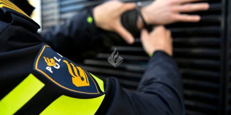 Jongens 12 en 15 jaar aangehouden voor straatroof in Hoorn