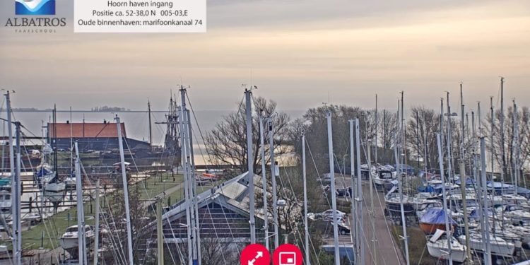 Live Webcam Hoornse haven, Hoornse Hop en Markermeer [video]