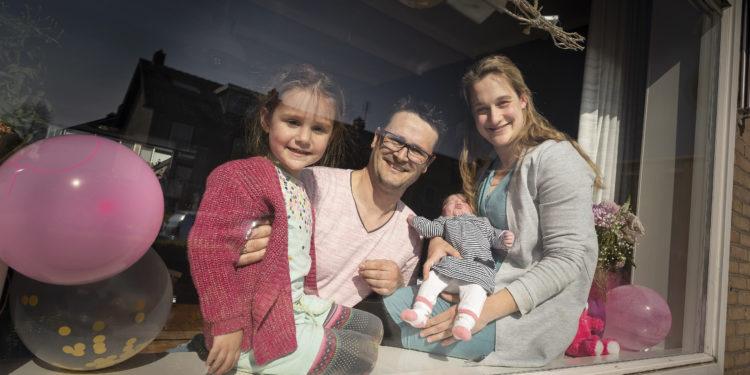 Baby Bo Agatha eerste digitale geboorteaangifte in Schagen