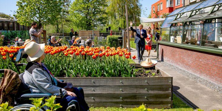 Verrassingsbezoek Koning aan Lindendael in Hoorn