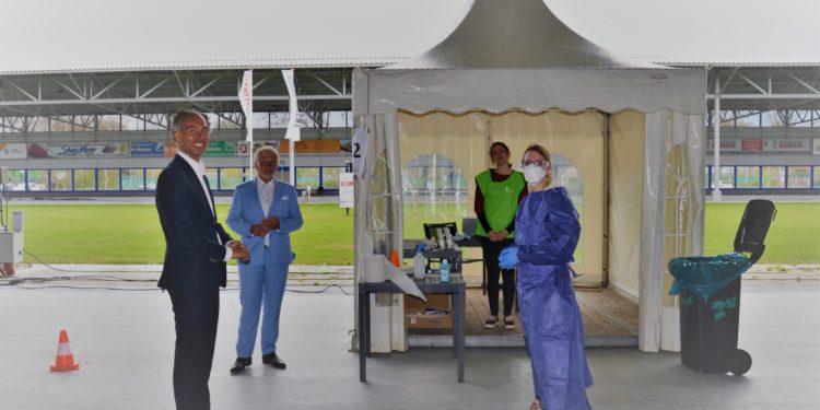 GGD test eerste zorgmedewerkers uit de regio op corona