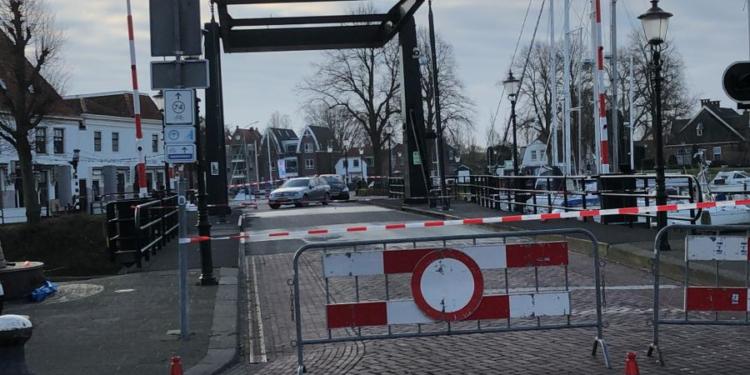 Kwikkelse brug in Medemblik afgesloten voor alle verkeer (update)