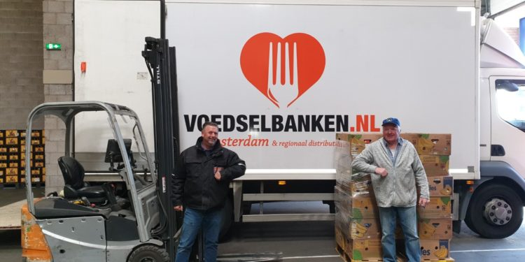 Klanten van DEEN zamelen 25.000 producten in voor de Voedselbank