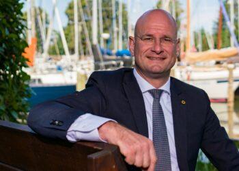 Hoornse burgemeester maakt zich zorgen over drukke winkelstraten