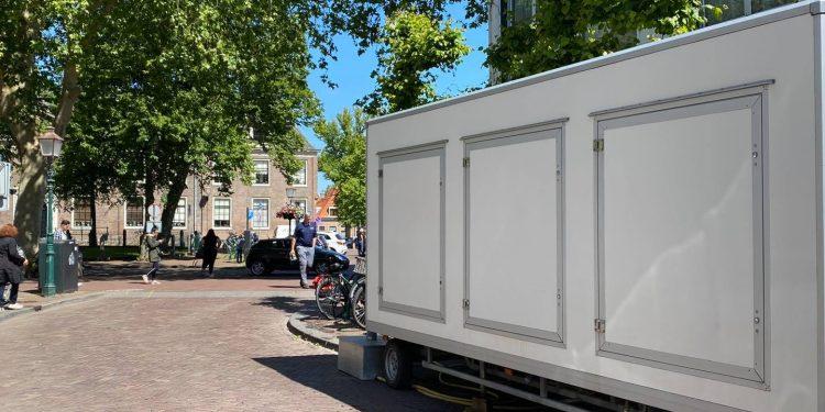Toiletwagen in Hoornse binnenstad; 'De nood was hoog'
