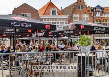 Grotere terrassen in binnenstad Hoorn verlengd tot 1 november