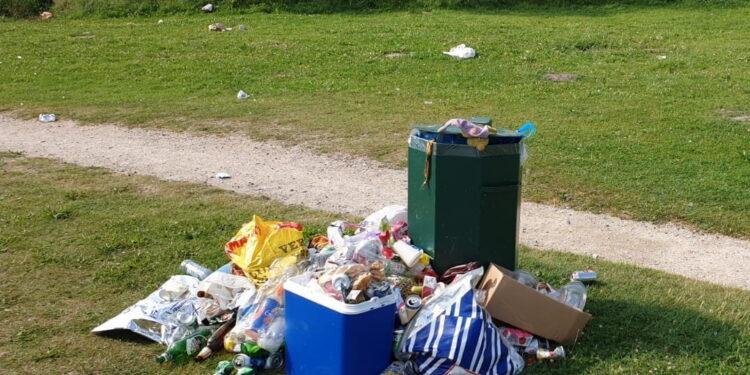 Recreatieschap heeft dagtaak aan schoonhouden terreinen