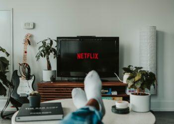 Netflix populair; Maar één op drie streamende kijkers betaalt niet